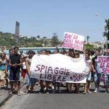 protesta per le spiagge libere